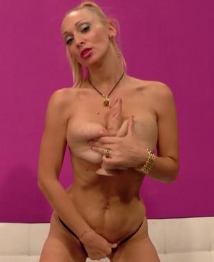 Daniela Evans