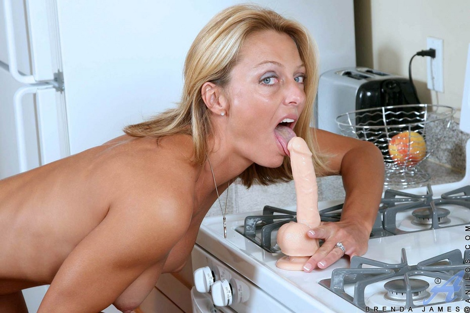 Fidelity Blonde Teen Tiffany Masturbates On The Kitchen Counter Coed Pictures 1