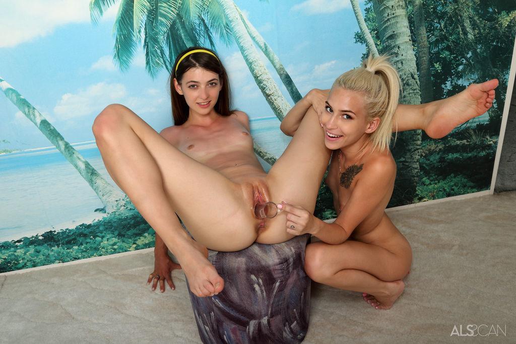 Tera Link y Kiara Cole, foto 16