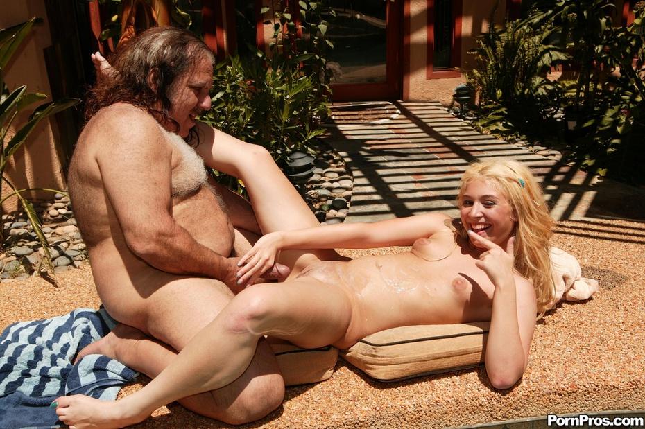 girl in alexander nude