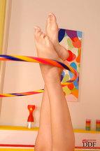 Nikita Williams desnudándose y jugando con un hula hoop, foto 15