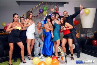 Gran orgía con mucho sexo de año nuevo, foto 2