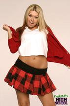 Striptease de una colegiala llamada Tiffany Rayne, foto 3