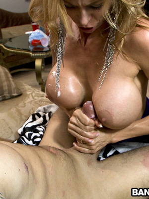 Victoria Voss,Alexis Texas,Diamond Kitty y Alexis Fawx y desconocido