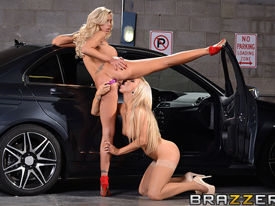 Nina Elle y Embry Prada