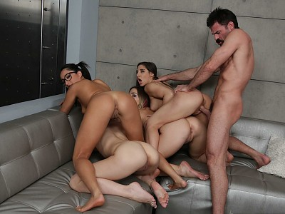 Jillian Brookes,Isabella Nice,Blair Williams y Abella Danger y Charles Dera