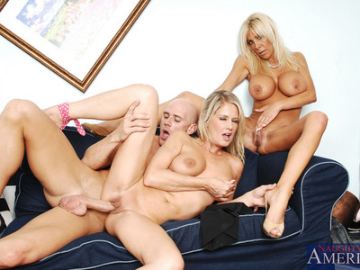 Bridgette Lee y Misty Vonage y Johnny Sins