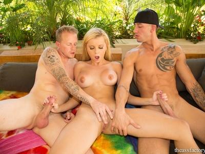 Jessie Rogers,Criss Strokes y Jules Jordan