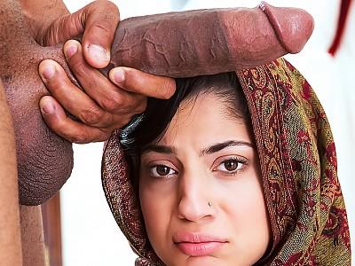 Nadia Ali y desconocido