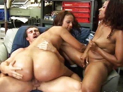 Cherokee D'Ass y Maya Gates