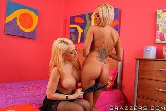 Sexo lésbico con Breanne Benson y Kagney Linn Karter, foto 6