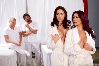 Chanel Preston y Monique Alexander en una orgía con Tommy Gunn y Xander Corvus, foto 4