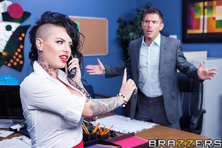 Mick Blue enculando a su secretaria Christy Mack, foto 6