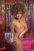 Sexo interracial entre Misty Stone y Keiran Lee, foto 4