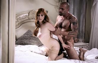 Penny Pax metiéndose el rabo de Carlo Carrera mientras Hef Pounder mira como se la follan, foto 18