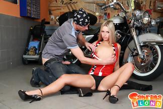 Sabrina Blond se pone cachonda con su novio motero, foto 7