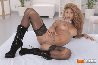 Venus Afrodita domesticada por Rob la bestia Diesel, foto 3