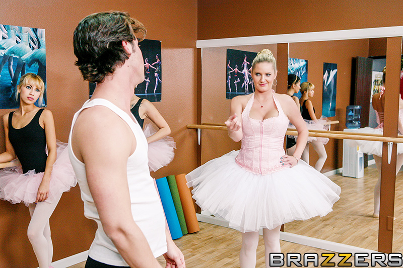 zoey holiday ballet